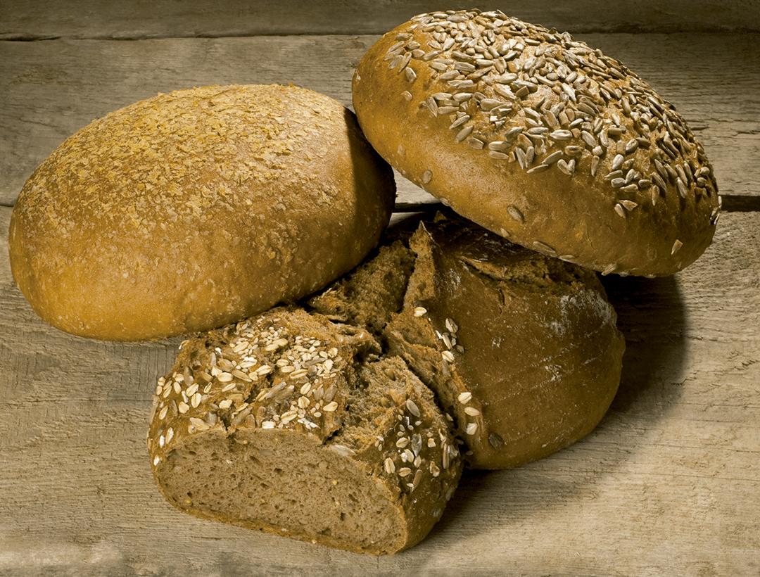 Pan de espelta y pan de chia. Disfruta del pan de forma saludable
